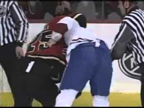 Le combat entre Sheldon Souray et Darren McCarty