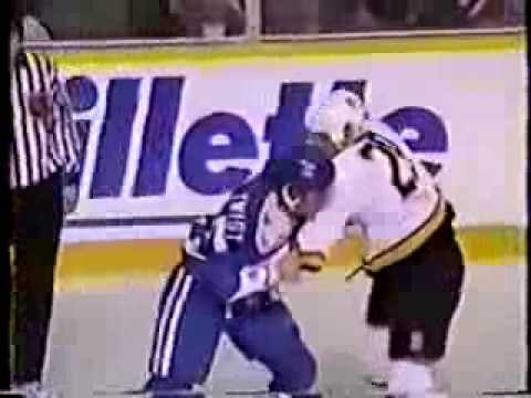 Trois combats entre Tony Twist et Gino Odjick